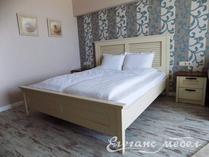 Легло от масив с щори