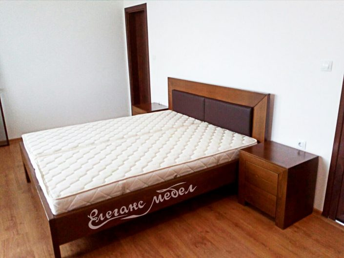 мебели за спалня, спално обавеждане,модерна спалня,легло от масивна дървесина,кожена тапицерия