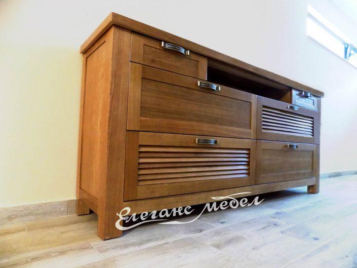 Трапезен шкаф от дърво