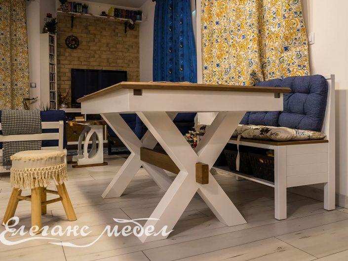 трапезна маса и кухненски ъгъл за сядане