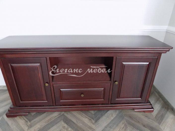 Шкаф изработен от масив