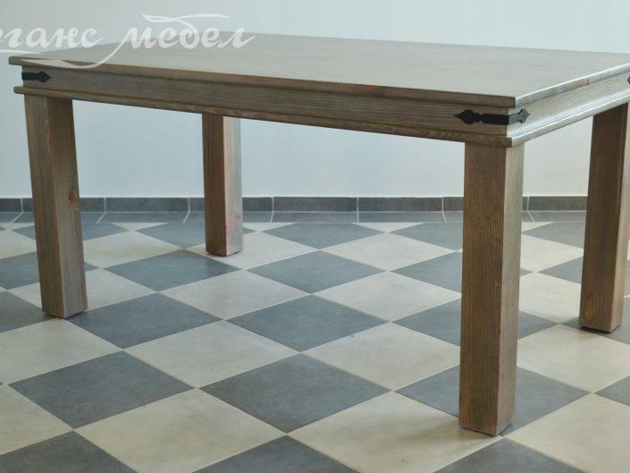 Трапезна маса от дърво с ковано желязо