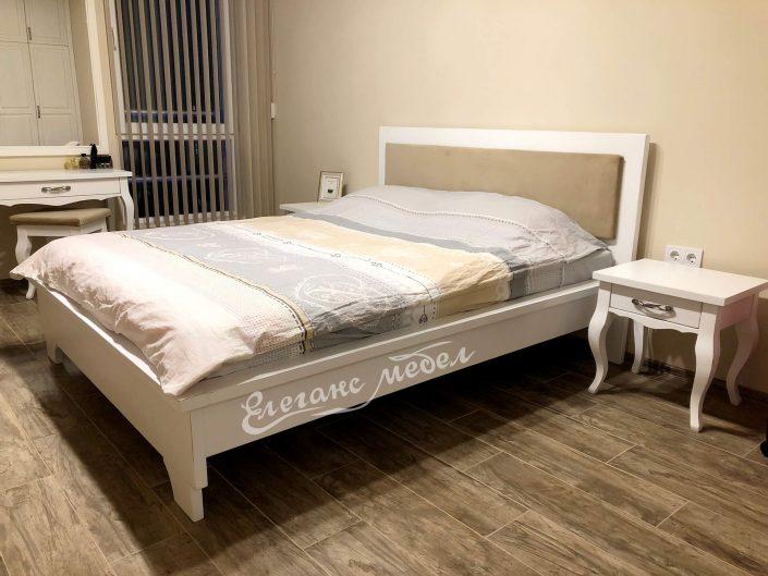 Легло с тапицерия