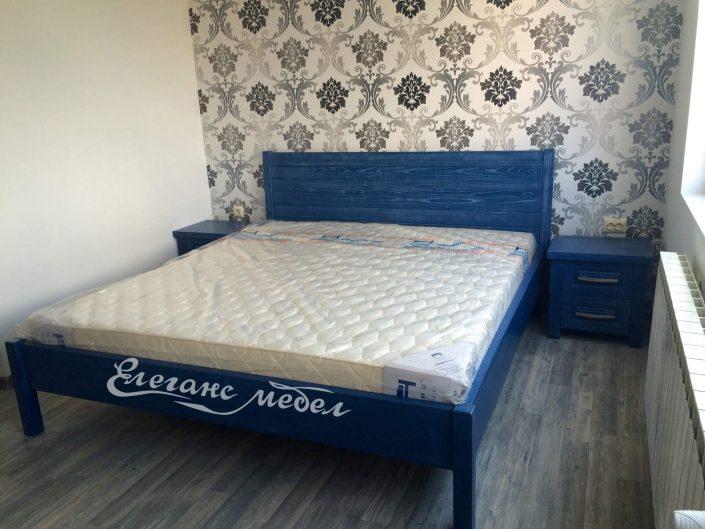 Синьо легло